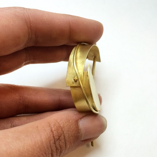 Progress: Avant, 18k gold